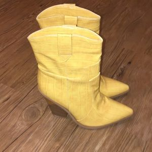 Shoes - Faux leather, yellow embossed wedge booties. 39